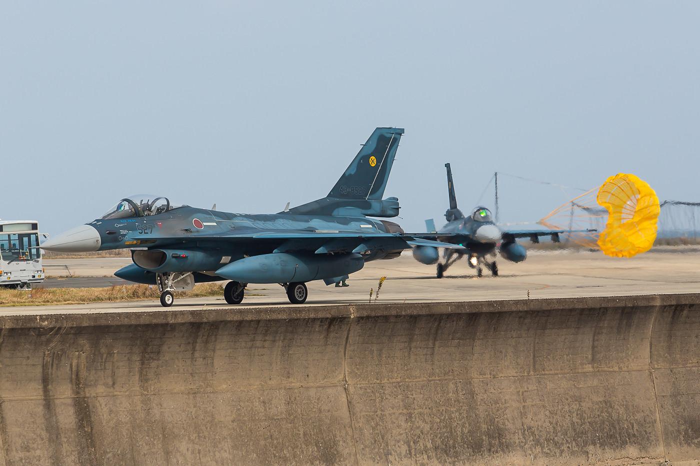 Es verbleiben dann nur noch 18 F-2 und 4 T-4 am Standort.