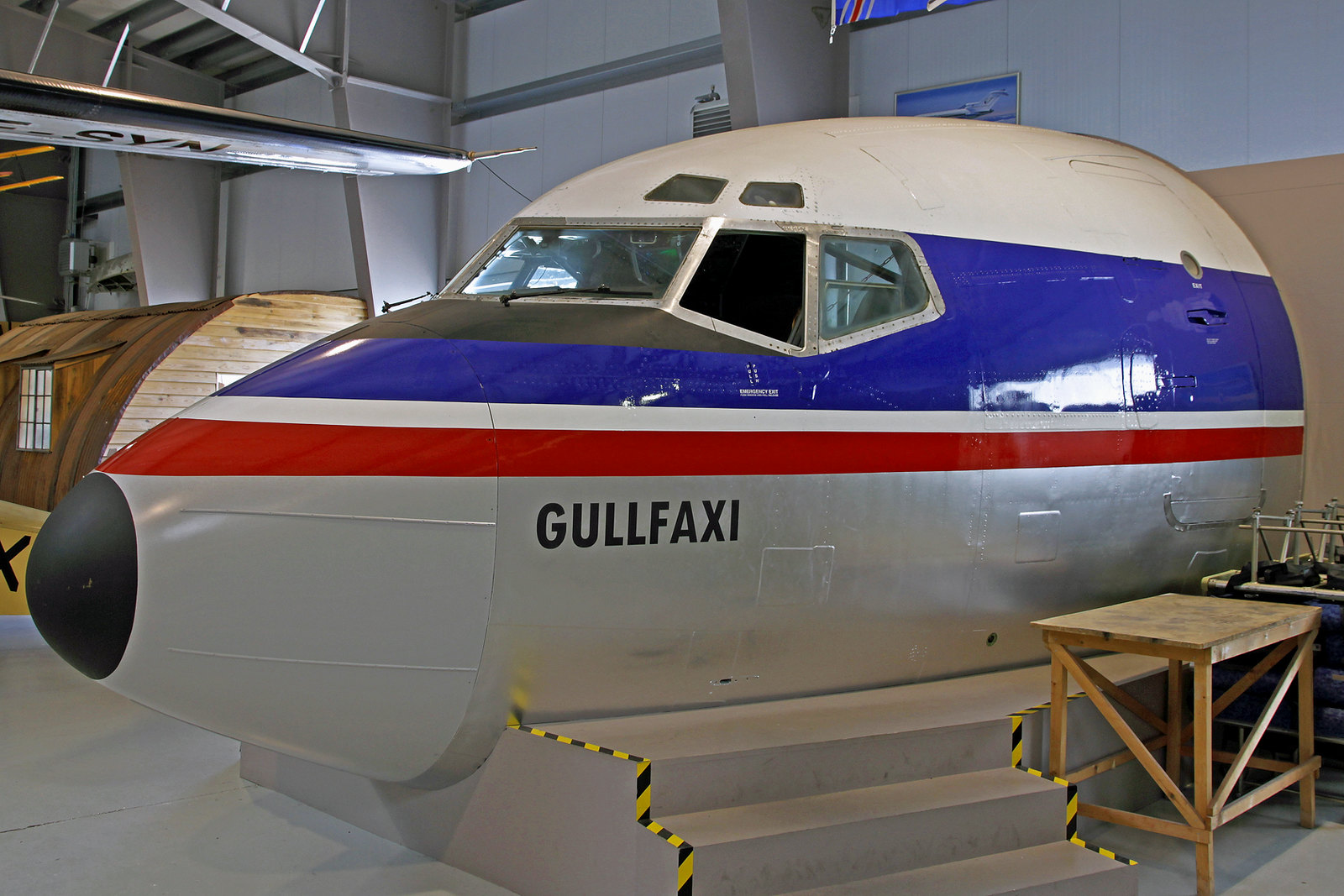 """Cockpitsektion der früheren Icelandair Boeing 727-108C TF-FIE """"Gullfaxi"""", AEY, 14. August 2020"""