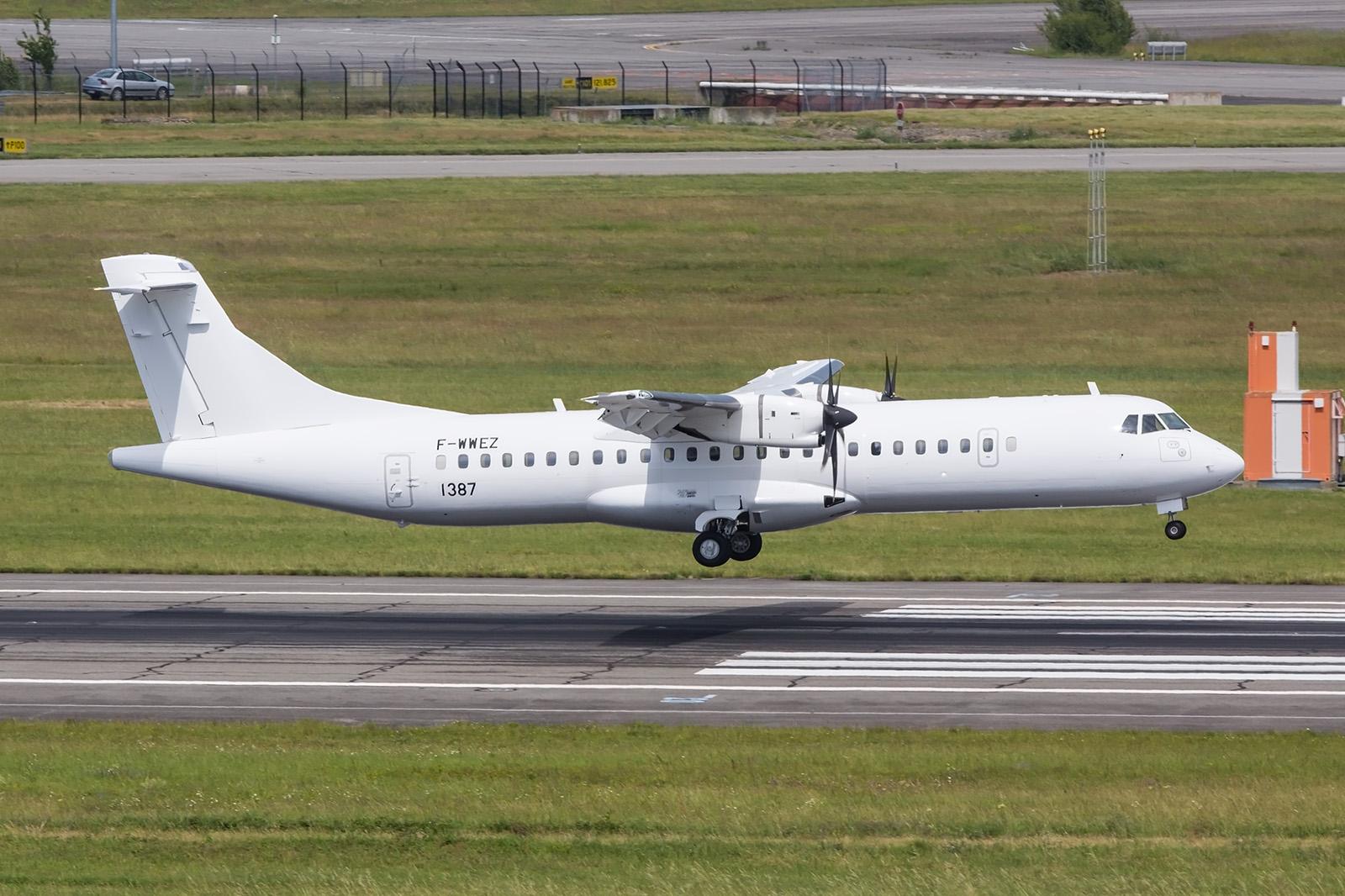 Diese hier noch weiße ATR72 geht an die Indigo.