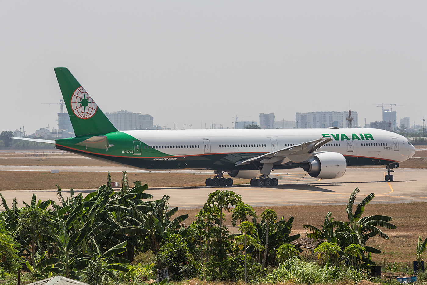 Meine erste Boeing 777 der Eva Airways in den neuen Farben.