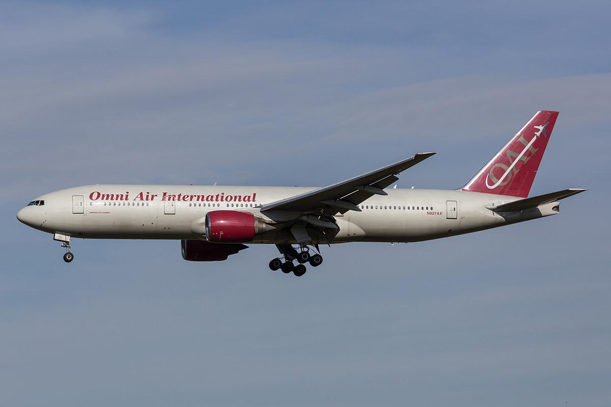 22.10.2013; N927AX, Boeing 777-200 Omni Air