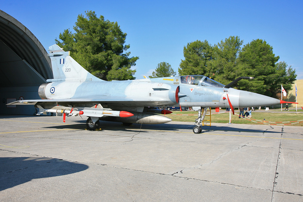 Hauptaufgabe der Mirages aus Tanagra ist die Luftabwehr.