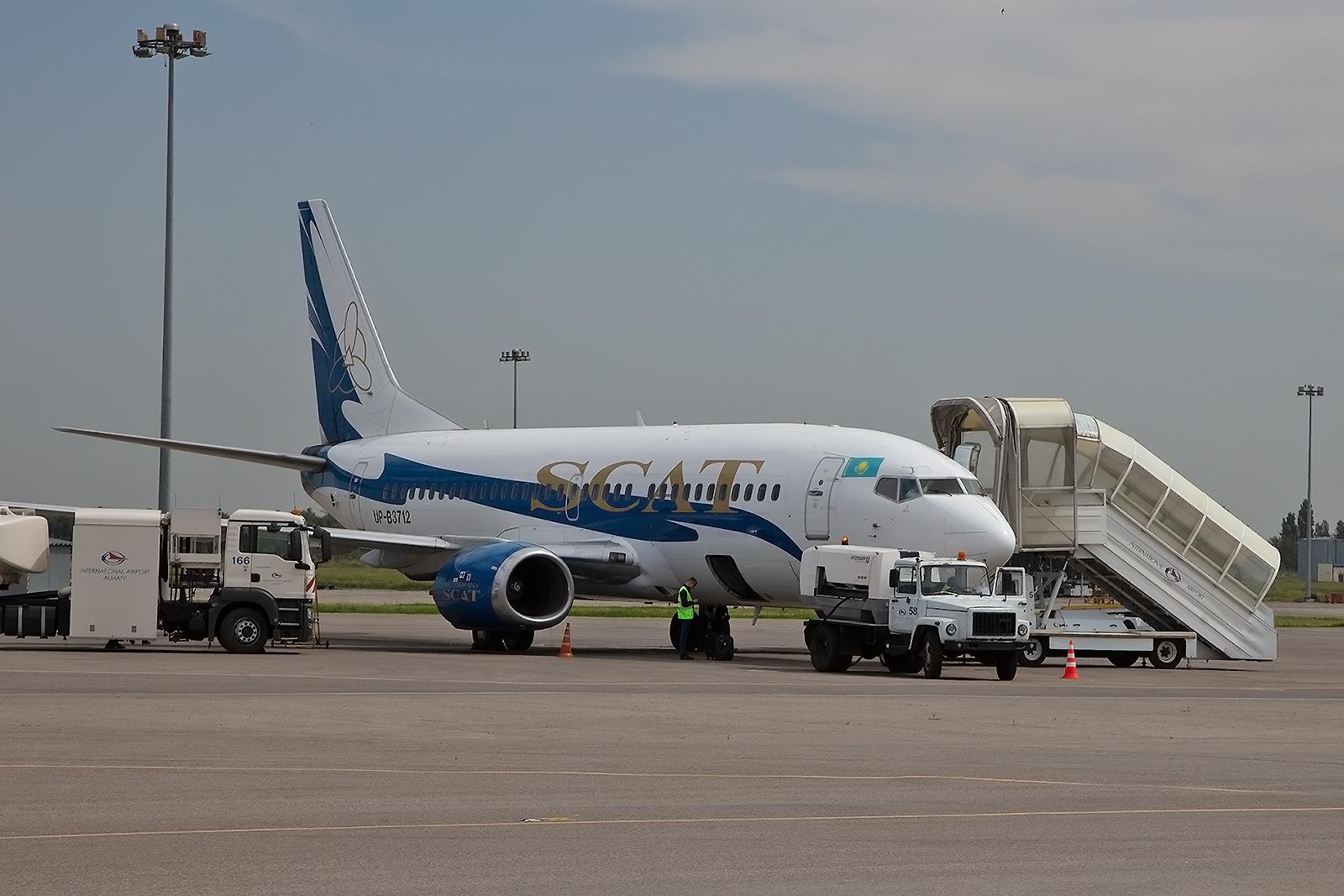 Unsere Boeing 737 nach der Landung in Almaty.