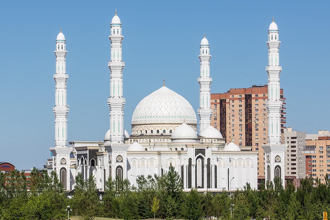 Hazram Sultan Moschee, die größte ihrer Art in Zentralasien.