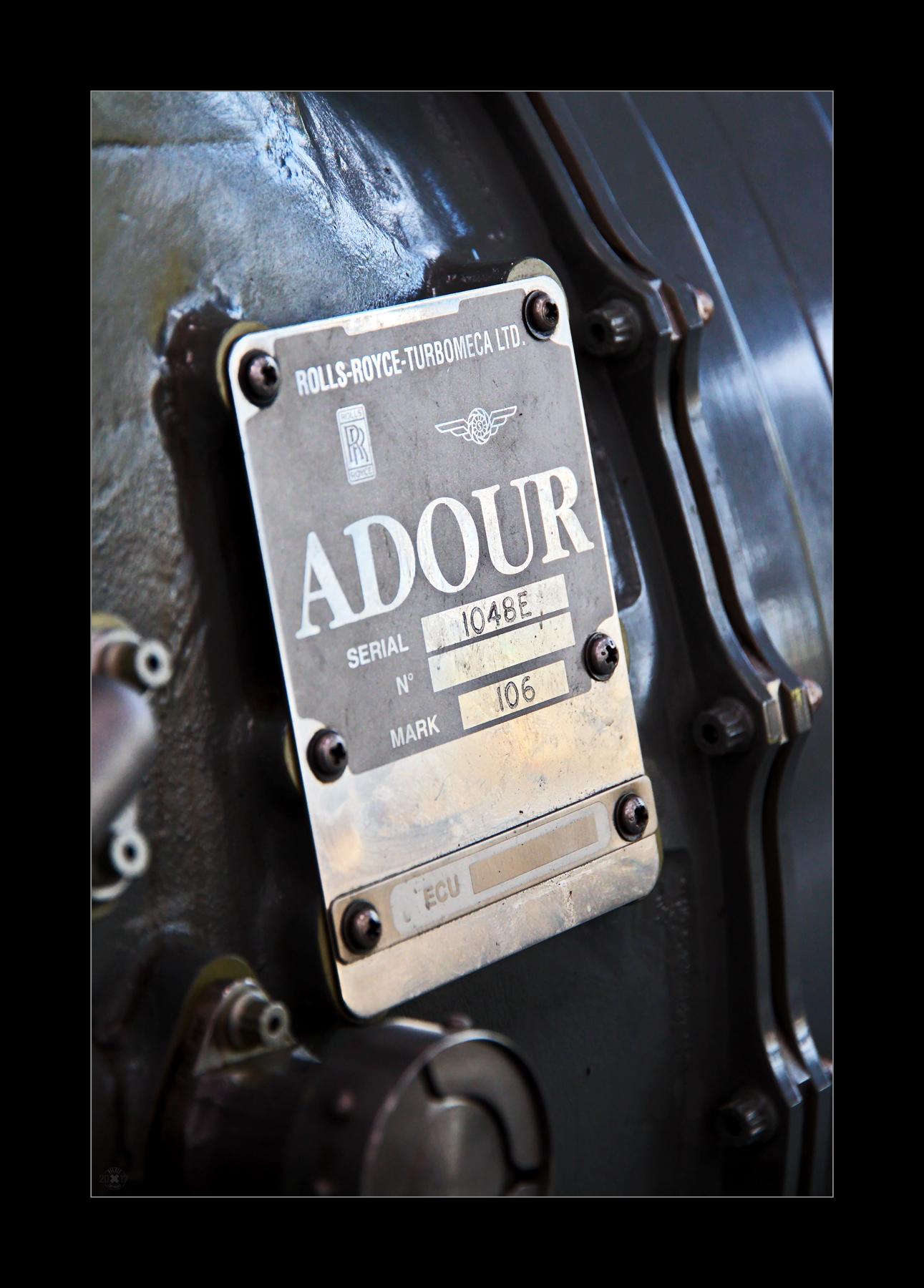 Das RR Adour wurde hauptsächlich für den SEPECAT Jaguar entwickelt.