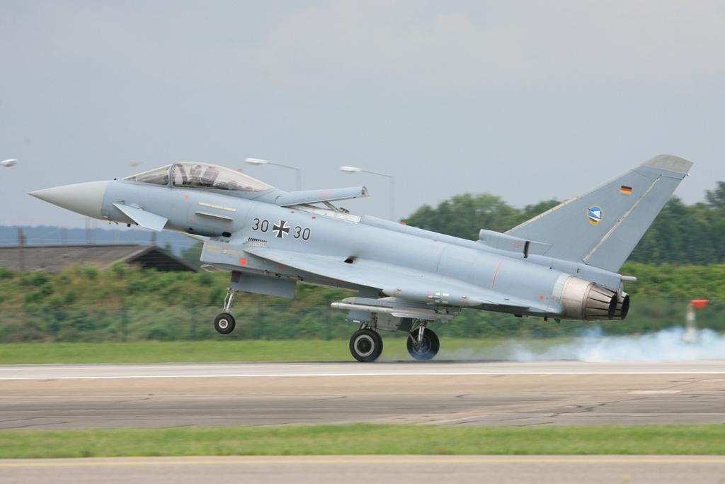 Die Bremsklappe liegt beim Eurofighter auf der Rumpfoberseite.