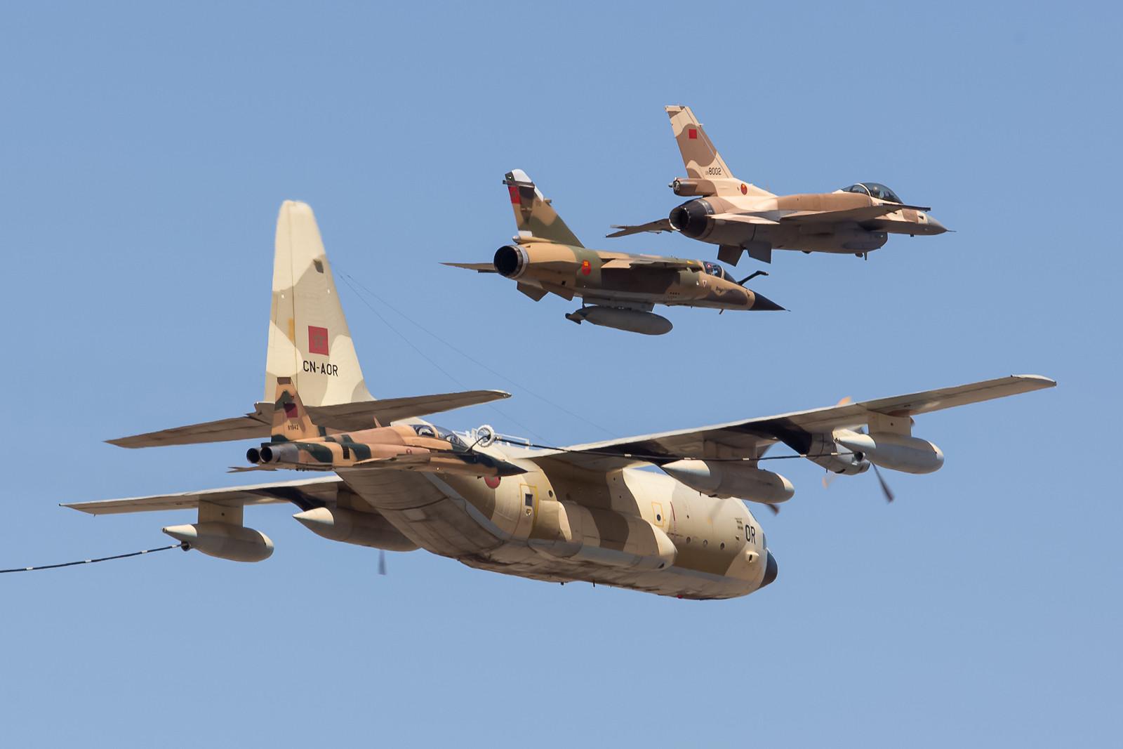 Die Aussenposition in der letzten Formation wurden durch eine Mirage und eine F-16 besetzt.