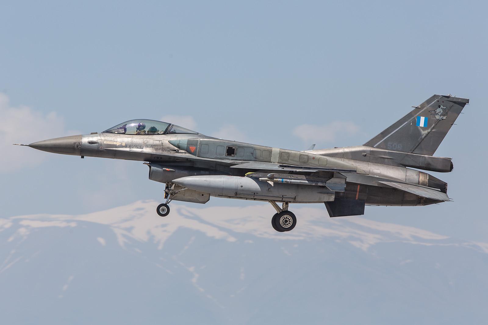 Die F-16 sind das Standardmuster der griechischen Luftwaffe,.......