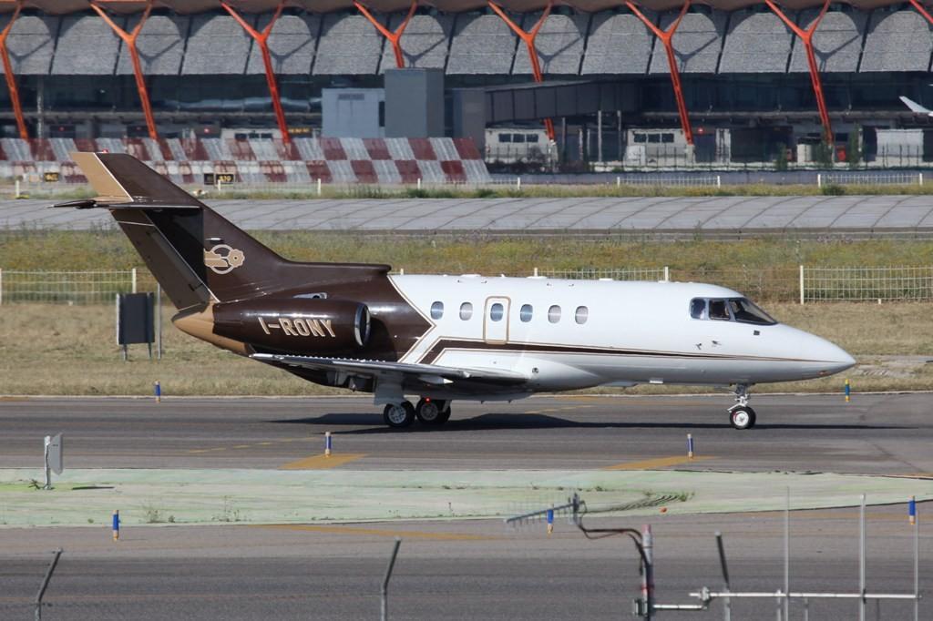 Private Hawker 800 aus Italien