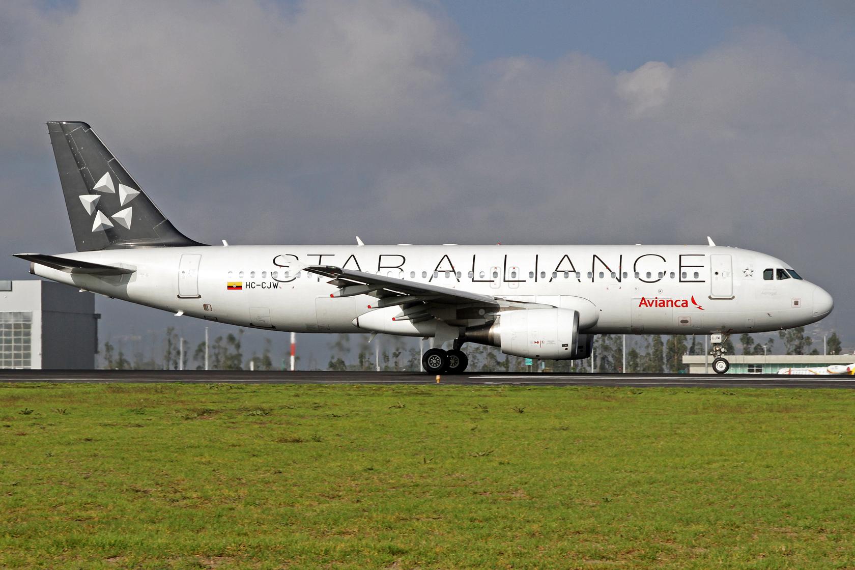Avianca Ecuador Airbus A320-214 HC-CJW - Durch die kolumbianische Muttergesellschaft ist die Tochter auch Star Alliance Mitglied und zeigt dies stolz mit diesem Airbus.