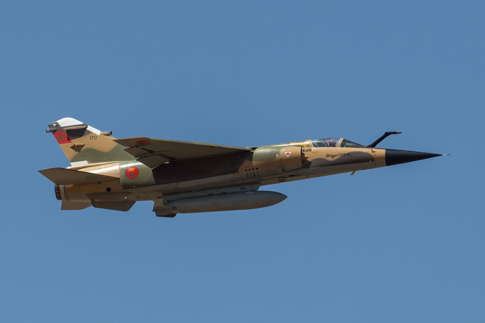 """Mirage F-1EM-VI mit """"Tankrüssel""""."""