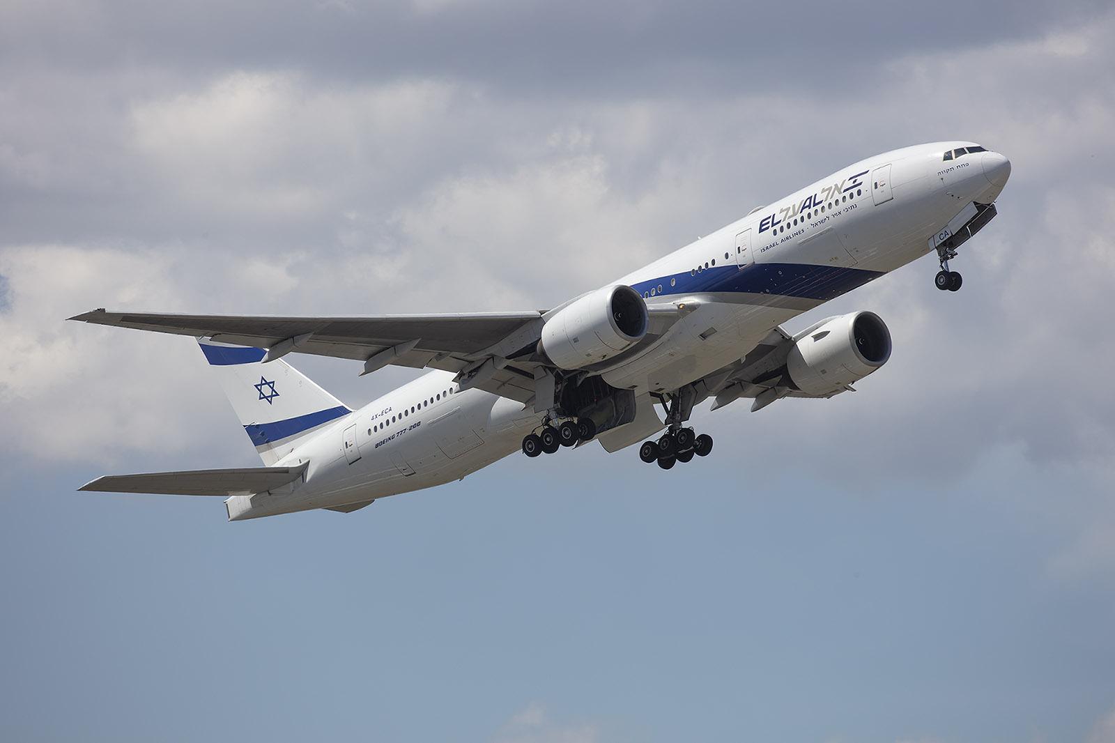 Auch ElAl funktionierte einige 777 und 787 zu Frachtern um.