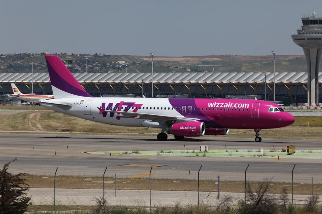 WIZZ Air A 320 aus Ungarn.