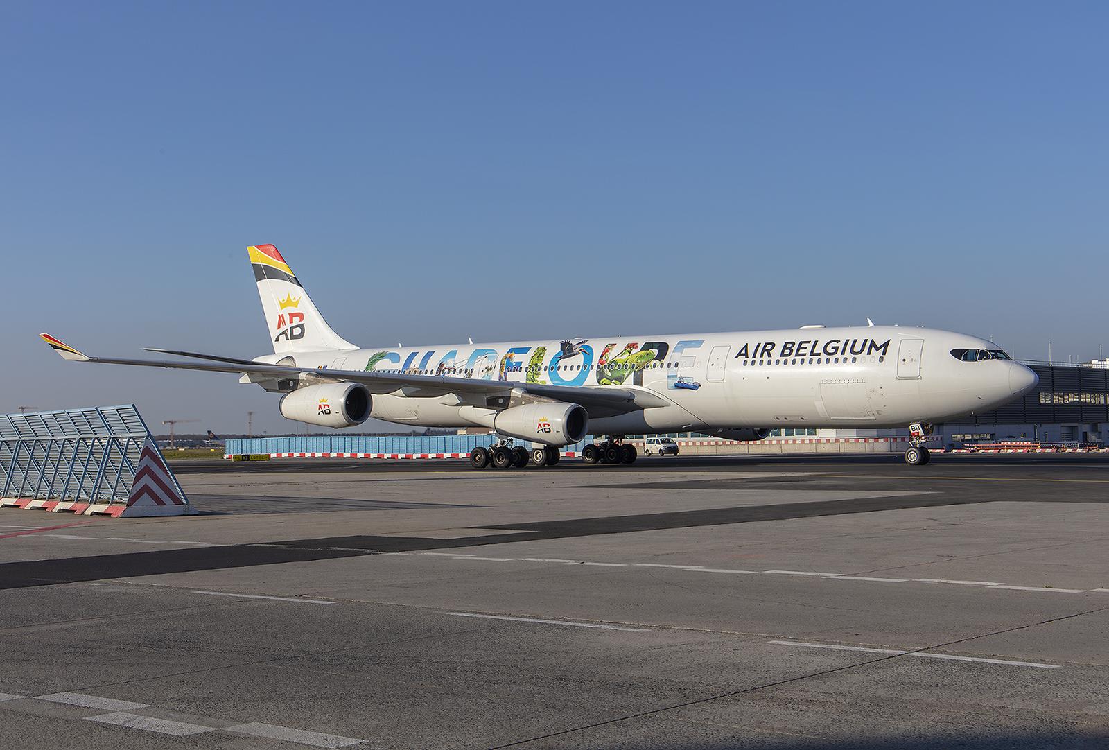 Exoten wie diese A340 der Air Belgium .......