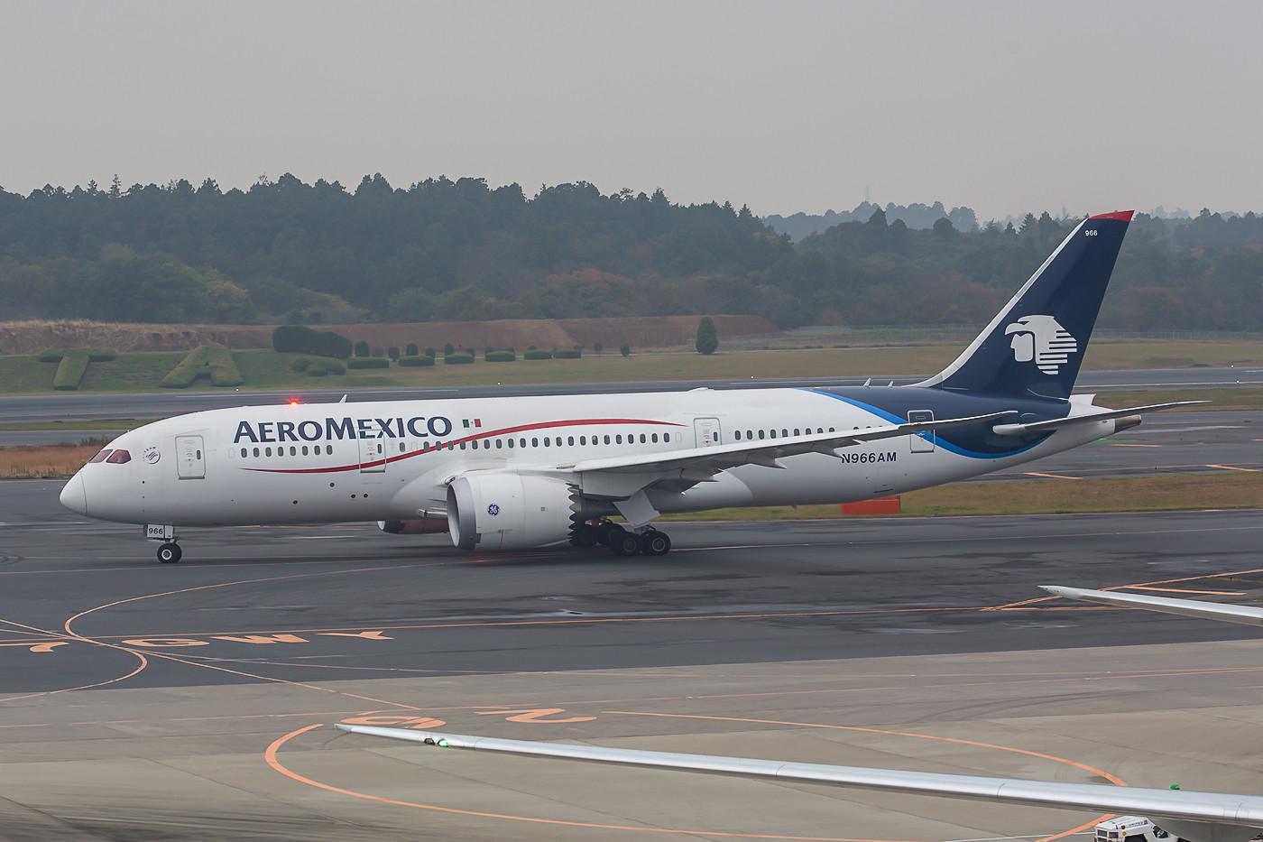 Der Dramliner der Aeromexico verbindet Tokyo mit Mexico-City via Tijuana.