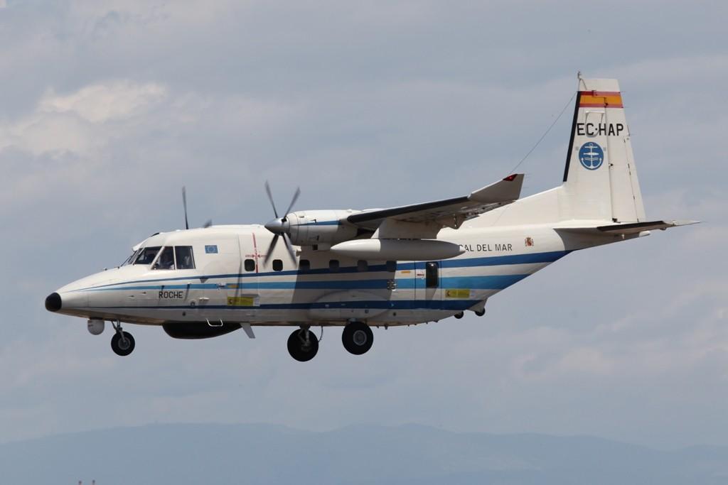 Ein Überwachungsflugzeug der Fischereibehörde, eine CASA 212