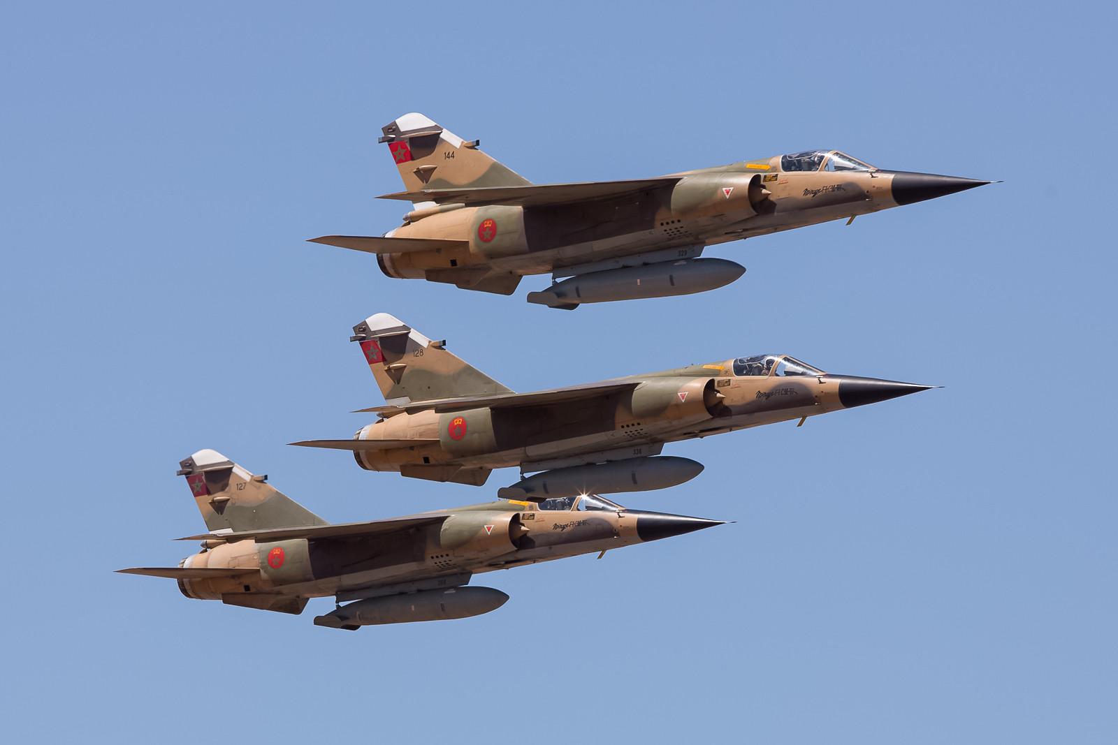 Weil sie so schön sind, nochmals die Mirages aus Sidi.