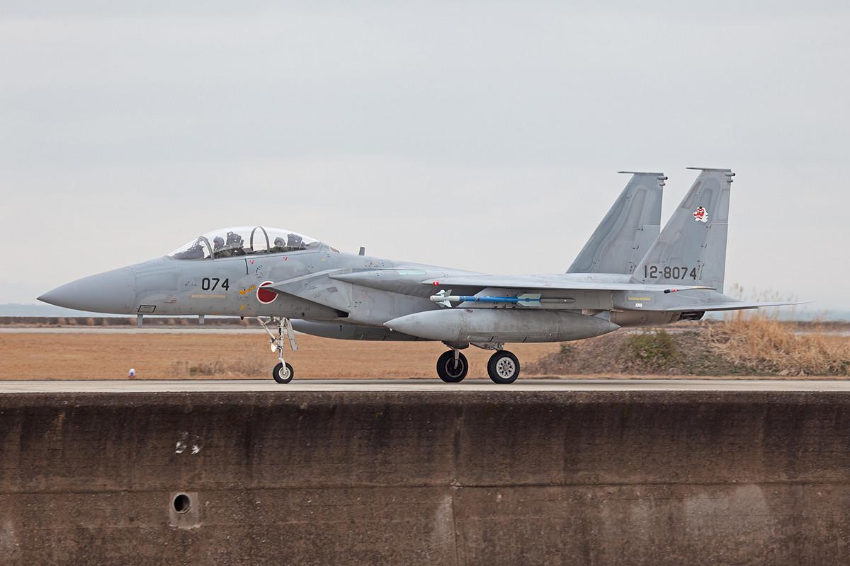 F-15DJ auf der Kaimauer.