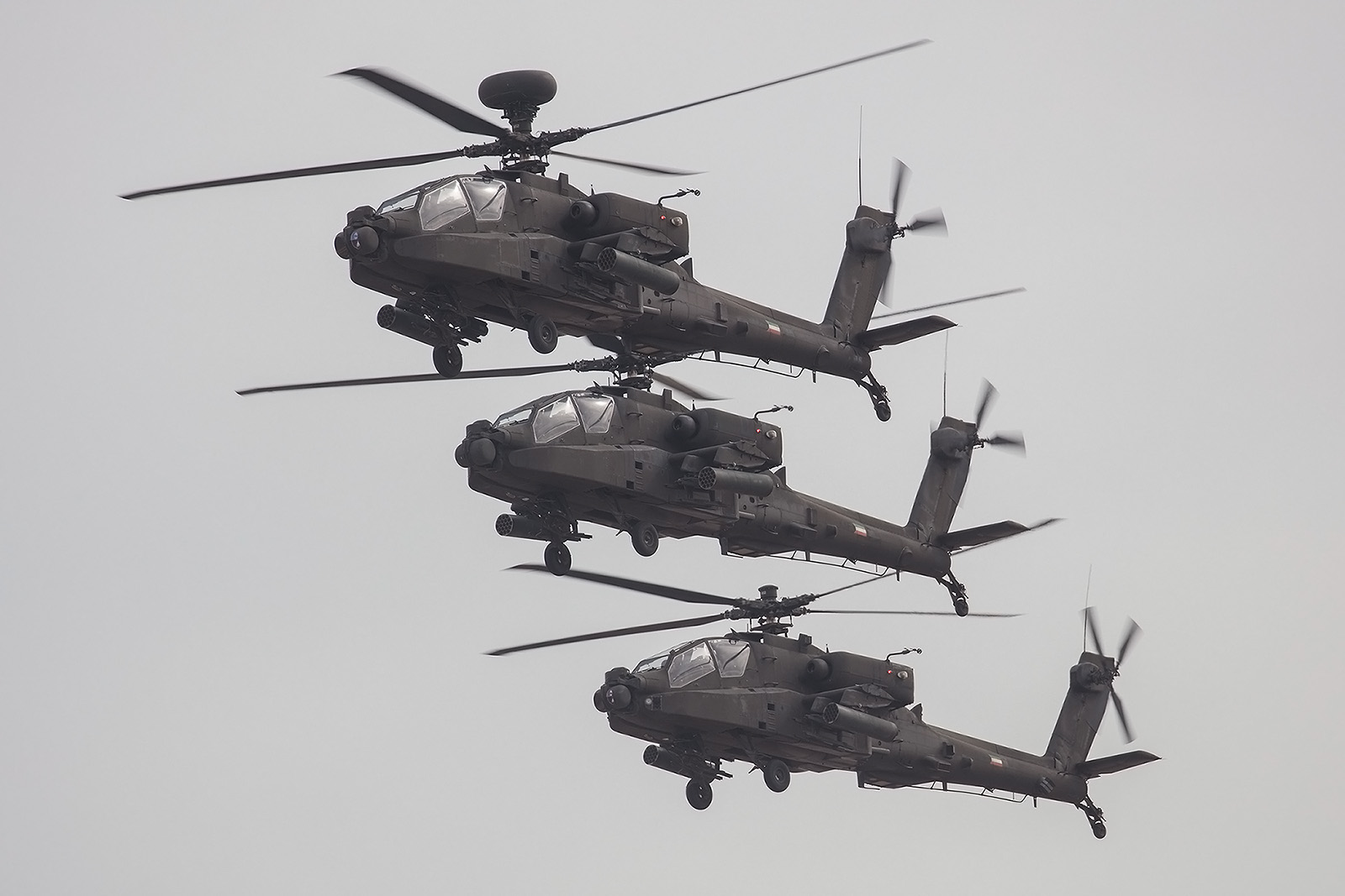 Drei AH-64D in der Formation