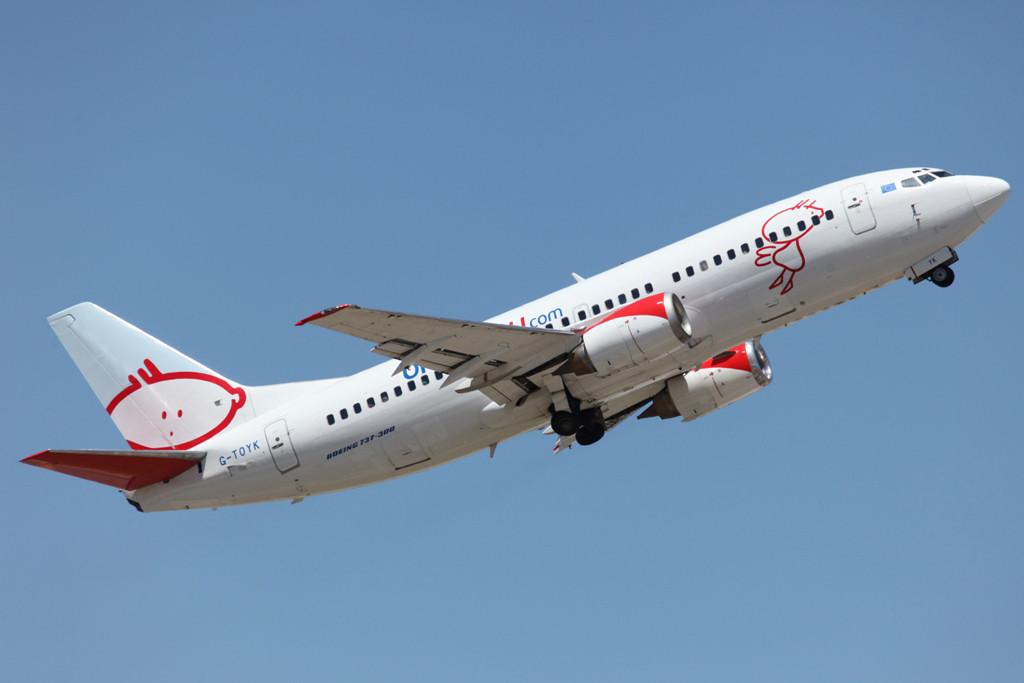 Boeing 737-300 der bmibaby.com