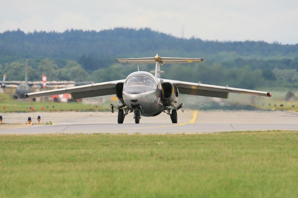 Saab 105 von der Düsenfliegerstaffel aus Linz.