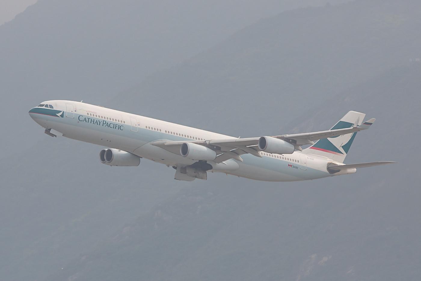 Nur noch wenige A 340 sind inder Flotte von Cathay Pacific.