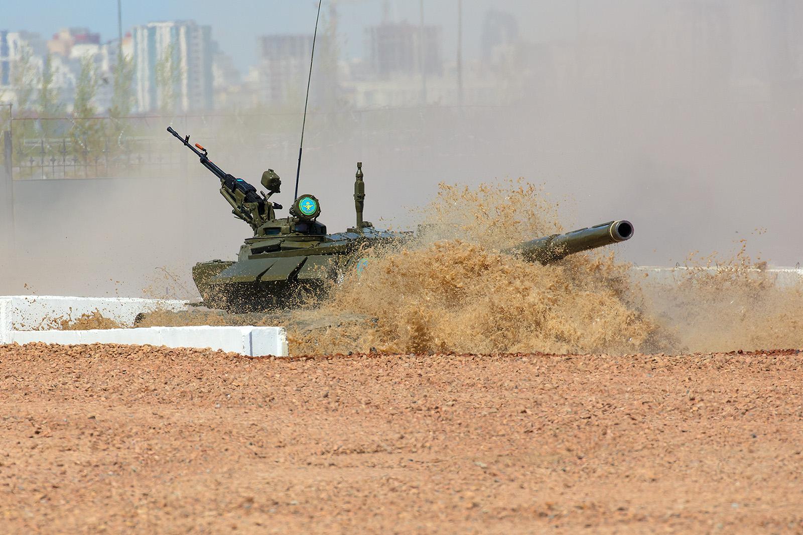 Auch Wasserhindernisse stellen für Panzer kein Problem dar.
