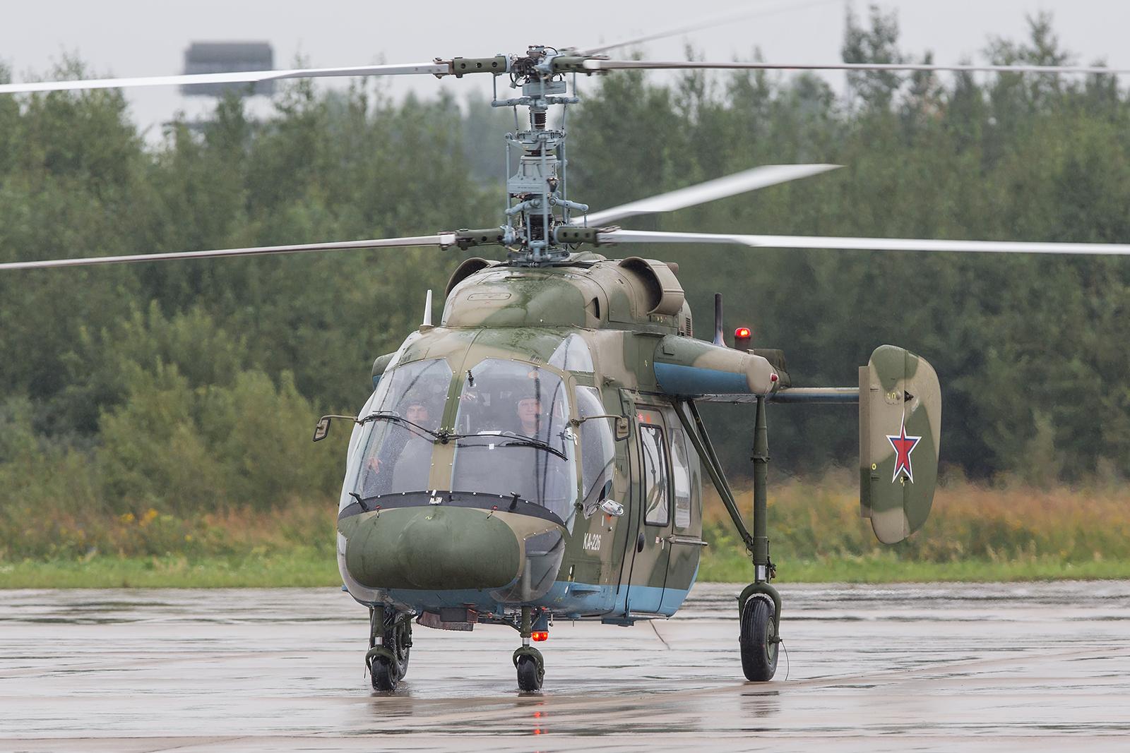 Noch immer verwendet man bei Kamov den Doppelrotor statt eines Heckrotors, hier einbe Ka-226.