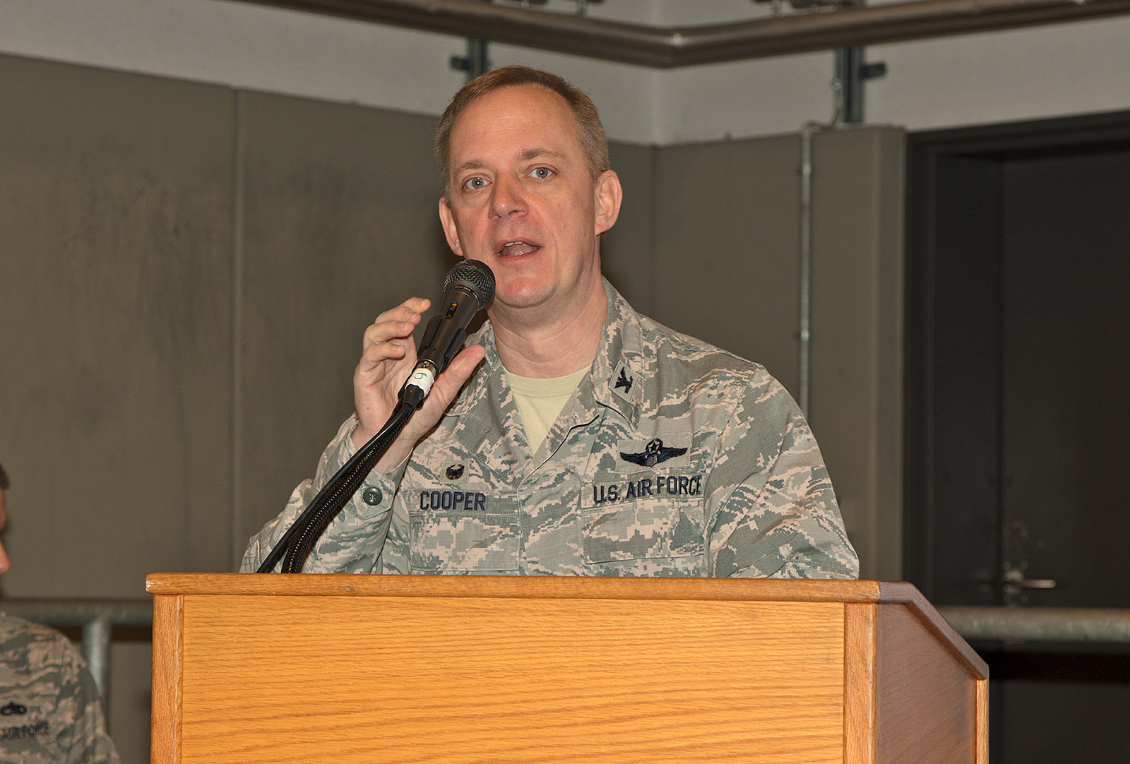 Col. Thomas Cooper, Kommandeur der 521st Air Mobility Operations Wing.