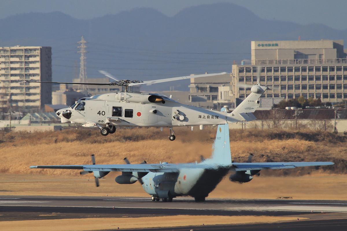HH-60 der JMSDF bei einem Testflug bei Kawasaki Heavy.