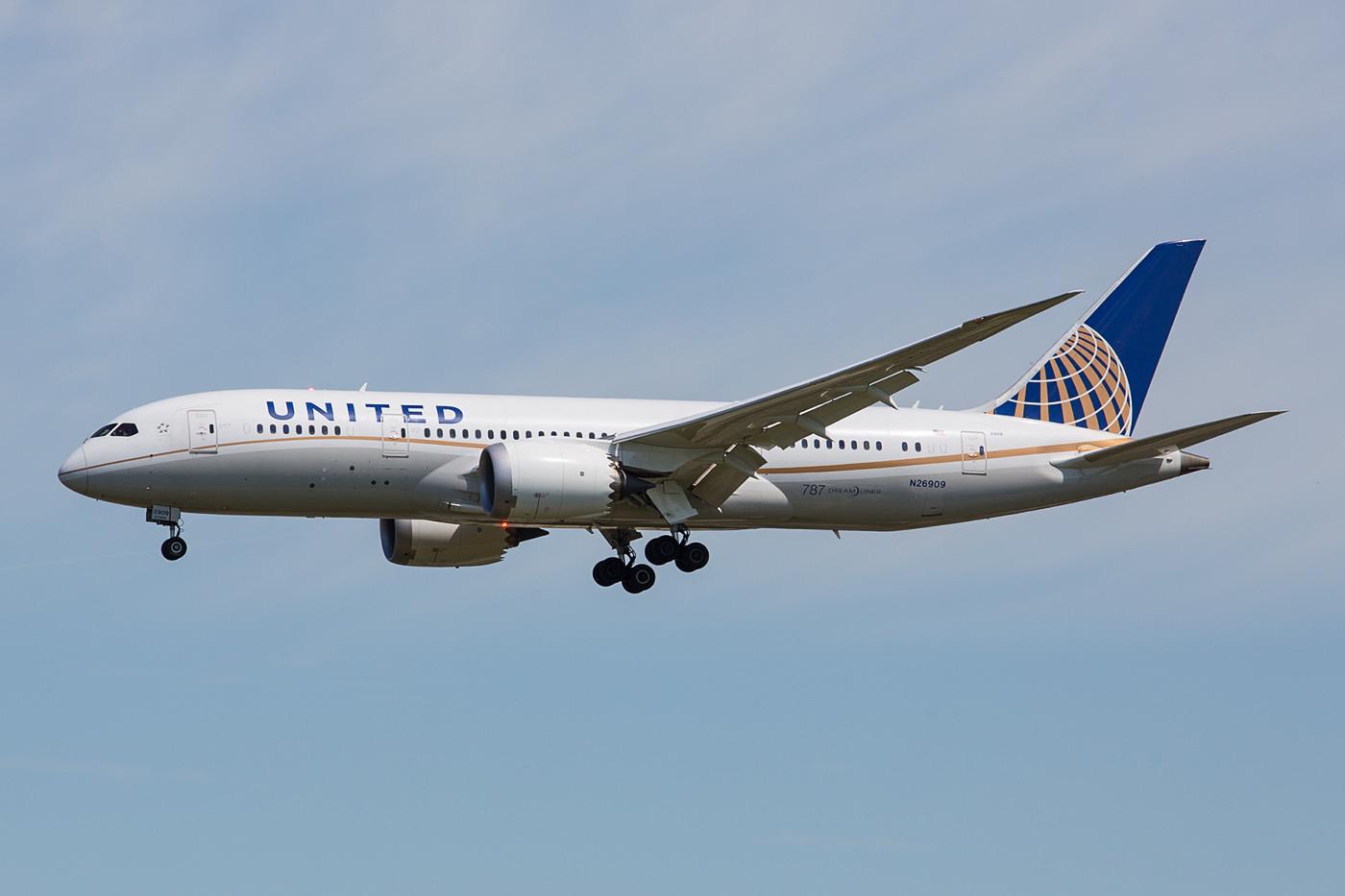 United mit Boeing 787-8, die noch aus der ursprünglichen Order von Continental stammt.