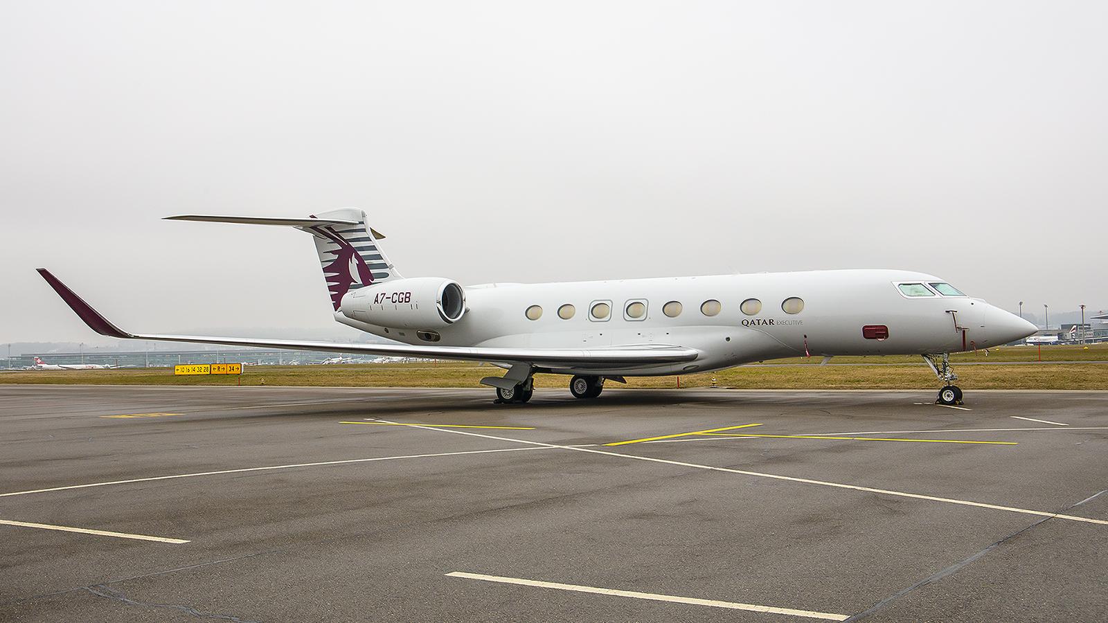 Für ganz besondere Kunden hat Qatar Airways eine kleine Flotte von Privatjets, hier eine Gulfstream G650ER