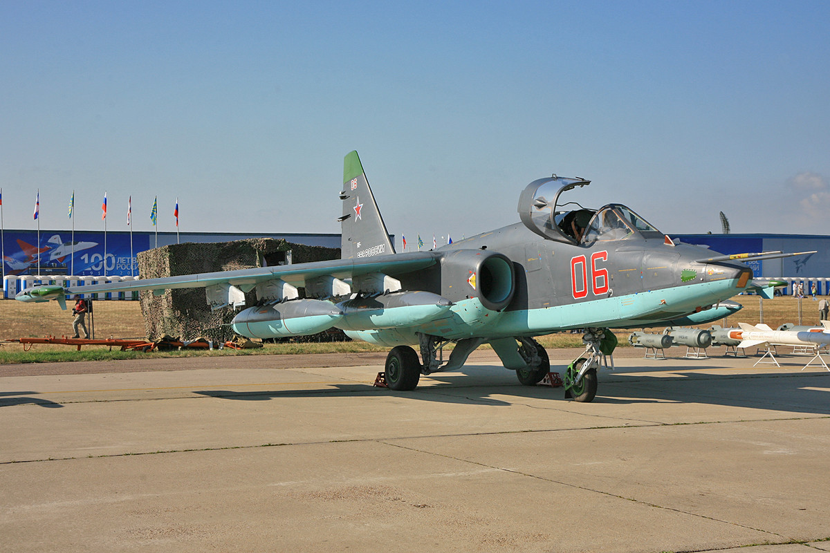 Der leichte Bomber SU-25 wird in Europa auch noch von der Ukraine und Bulgarien engesetzt.