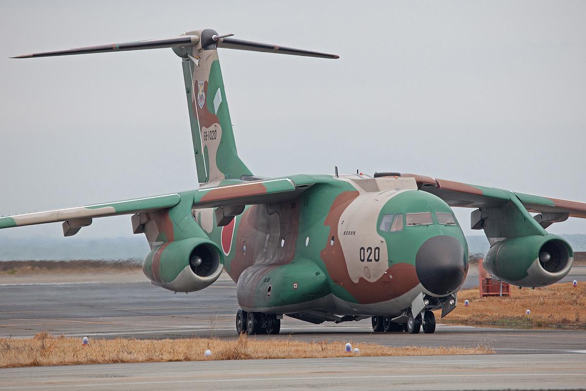 Ein mittlerer Transporter vom Typ C-1 aus Iruma.