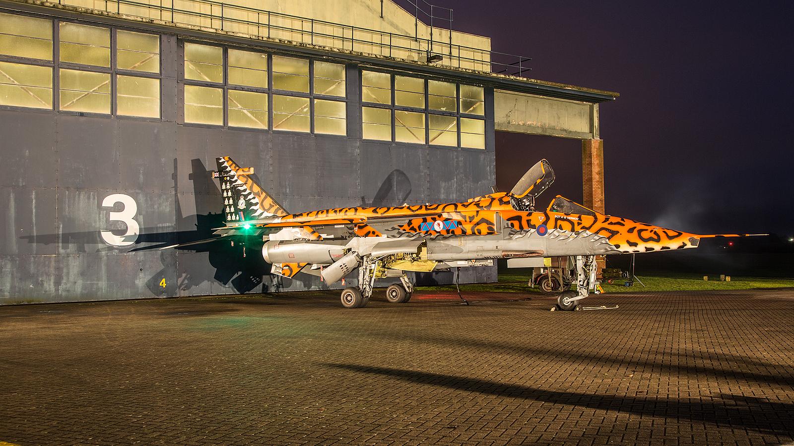 Die letzte Version der hier abgebildete GR.3A flog bis 2007 in den Einsatzstaffeln der Royal Air Force.
