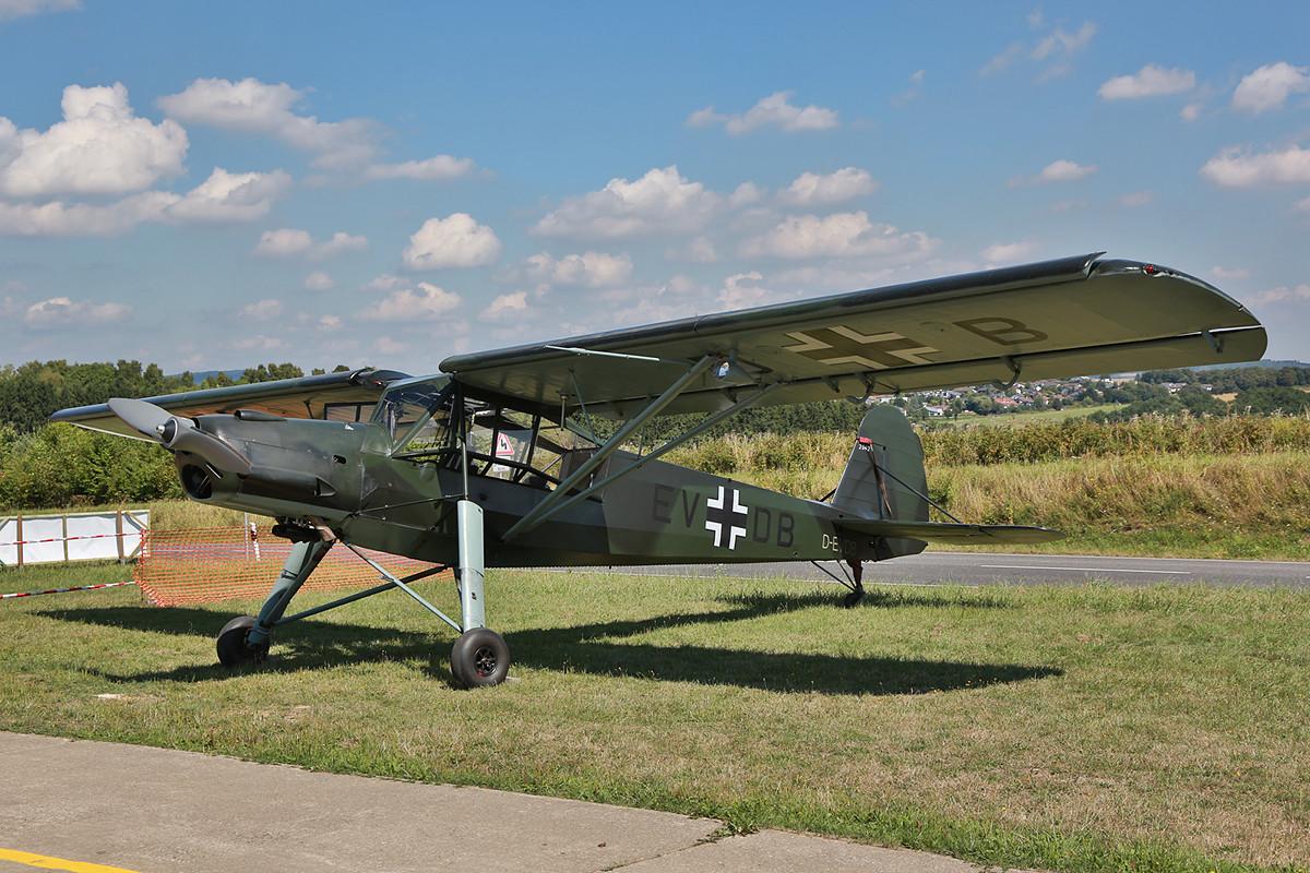 Ein echter Veteran am Himmel die Fieseler Fi-156 Storch.