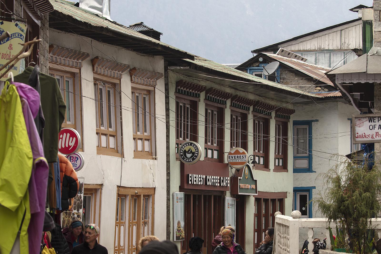 Hauptstrasse in Lukla.