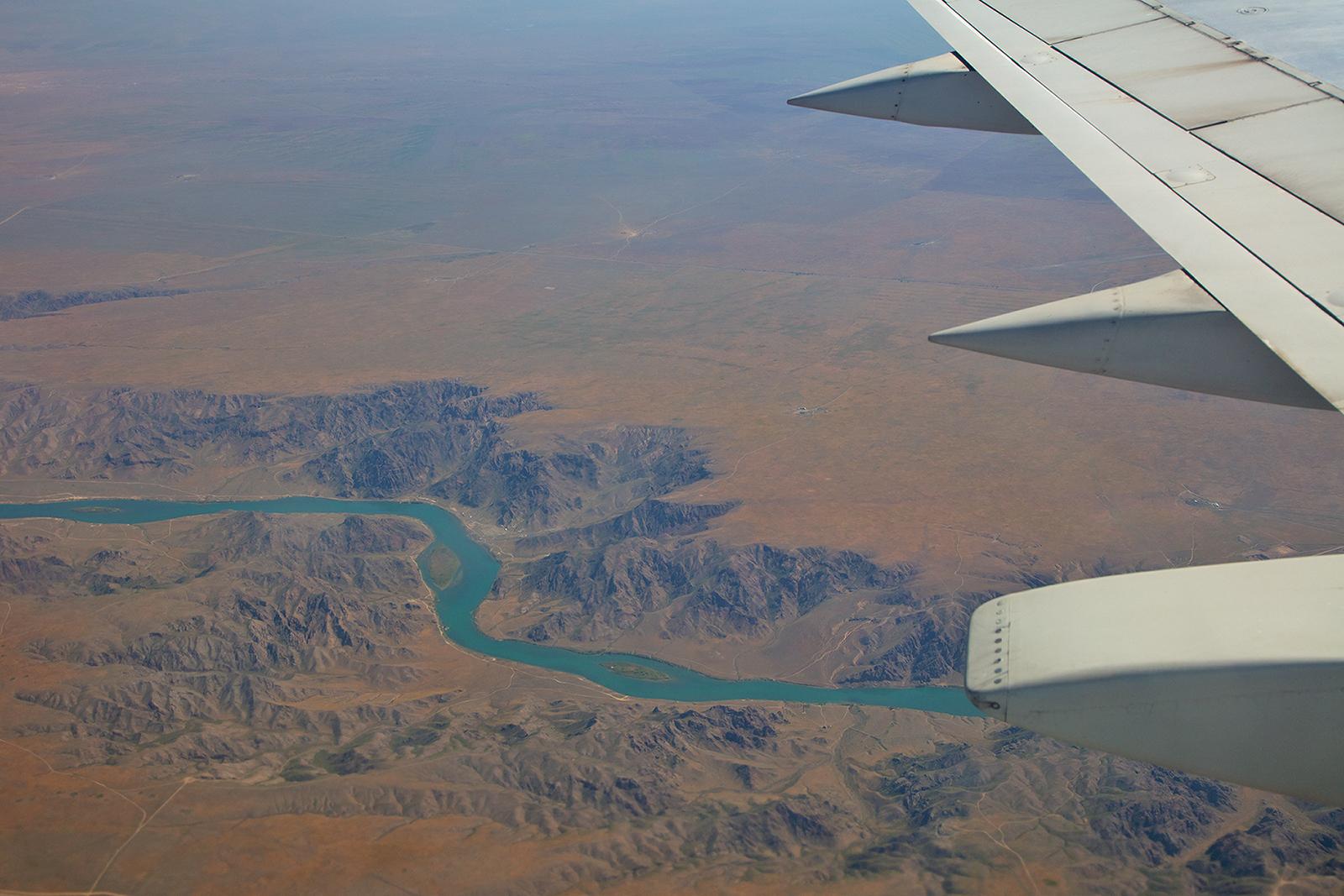 Der Fluß Ili hinter dem Kapshagay Reservoir, einem Stausee der die Wasserversorgung von Almaty und der Umgebung sicherstellt.