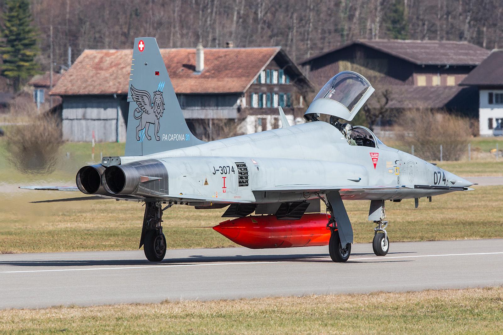 Eine der zwei Sonderbemalungen auf den F-5 in diesem Jahr.