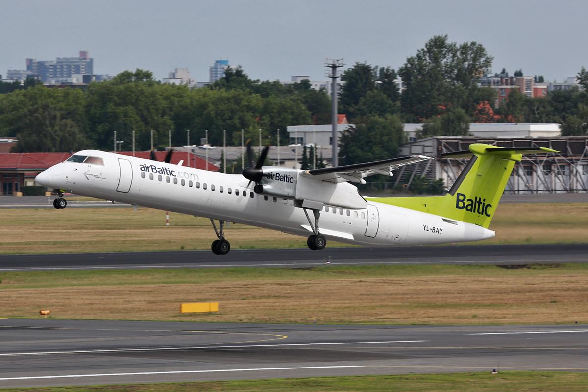 Die Dash-8 hat bei Air Baltic u.a. die Fokker 50 ersetzt.