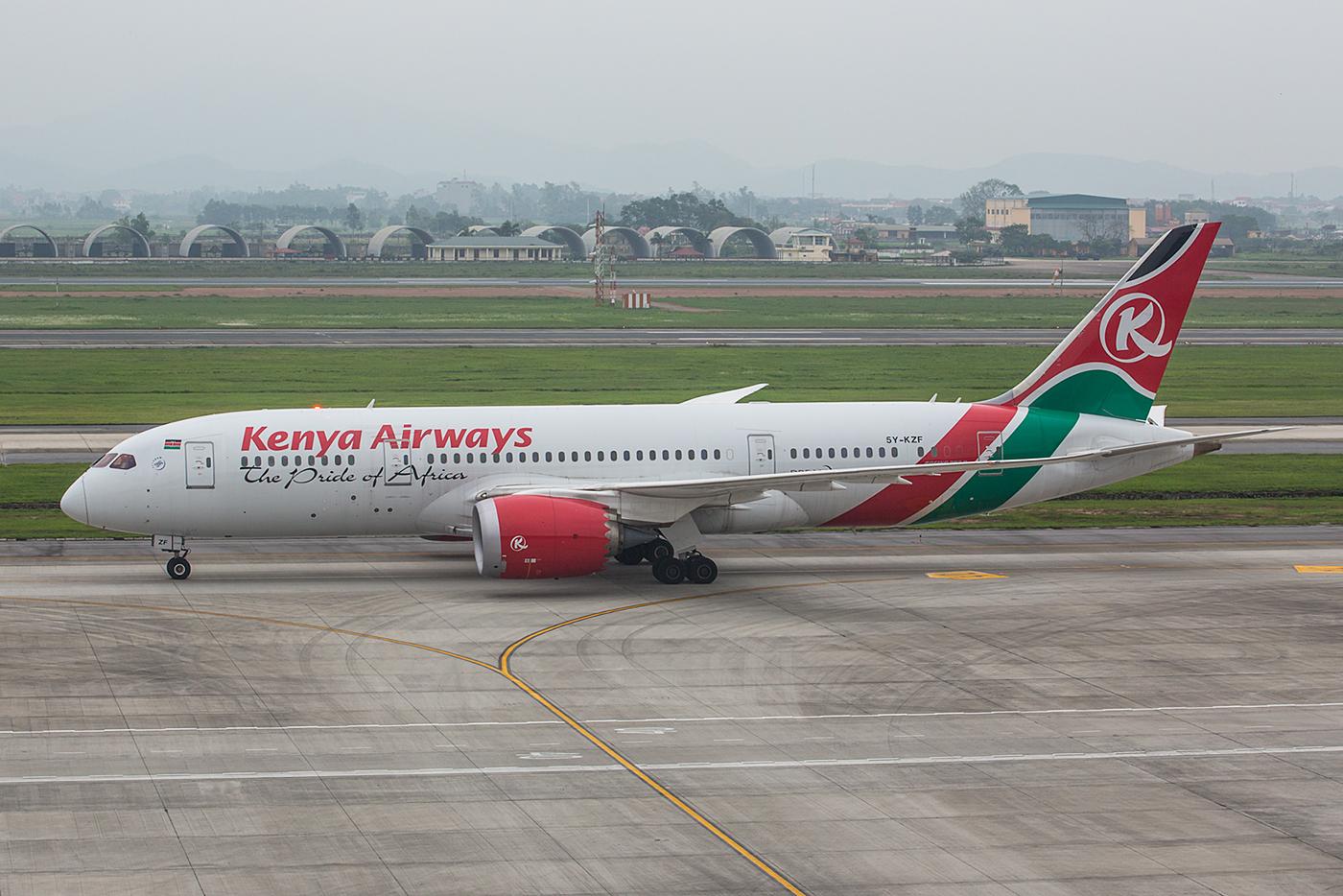 Mehrmals in der Woche kommt Kenya Airways mit Boeing 787.