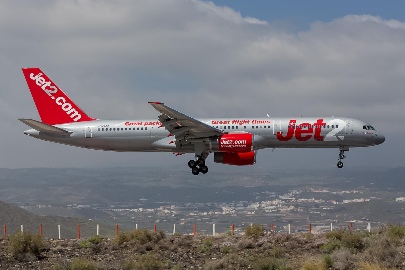 Auch nicht mehr ganz taufrisch ist diese Boeing 757-200 der Jet2 (ex-Air Europa, ex-Air Europe, ex-Iberia, ex-Air Anatolia, ex-Fly Airlines).