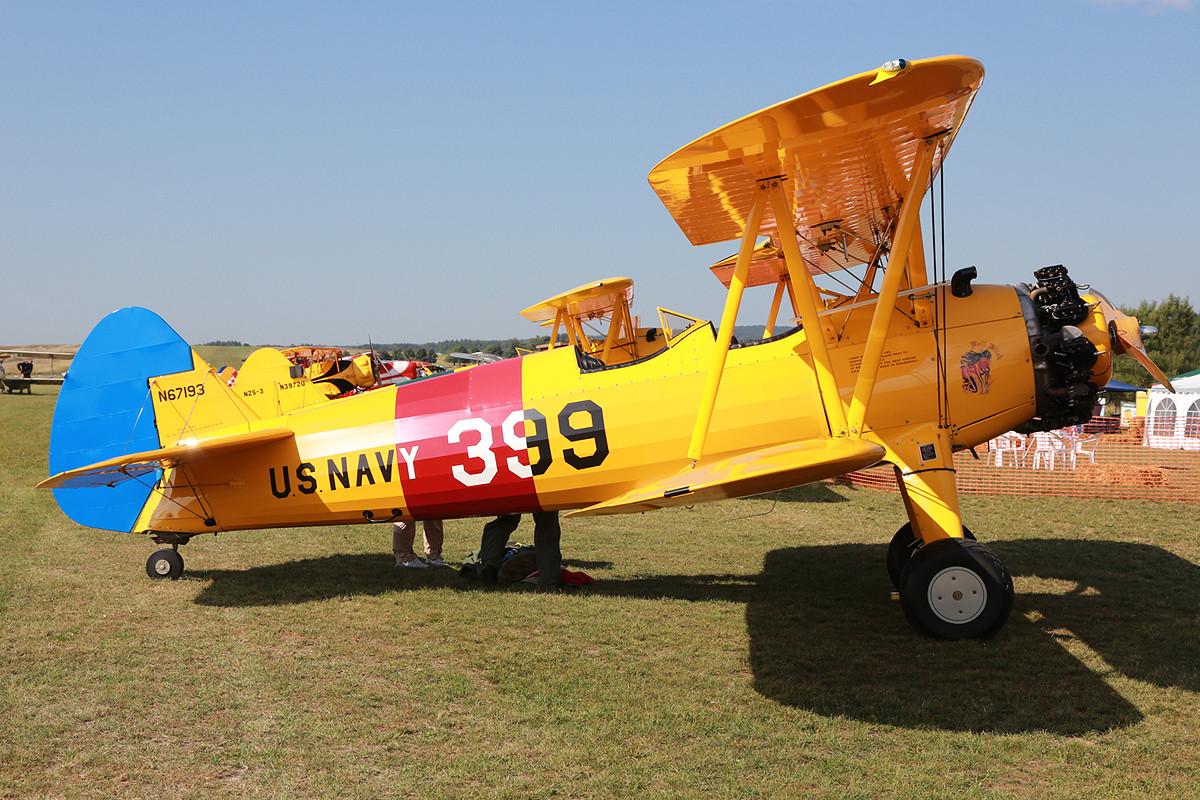 Die N67193 ist eigentlich ein Model E75 und war nie beim Militär im Einsatz.