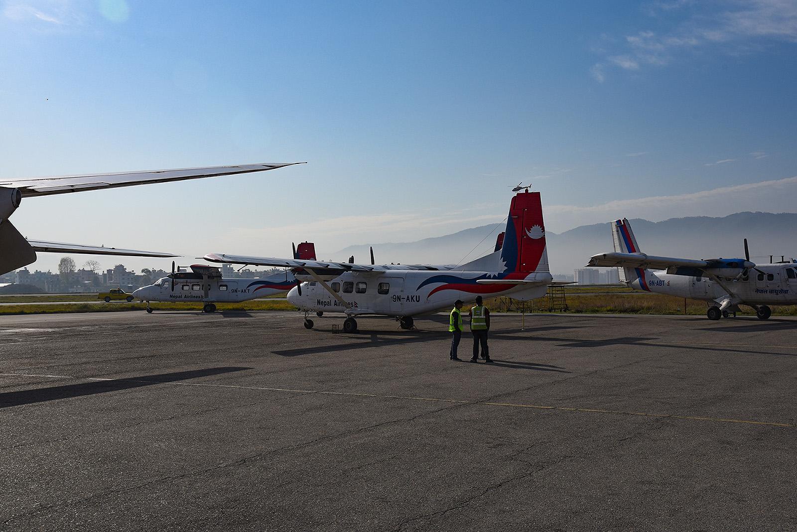 Bei unserem Besuch standen die Y-12 alle am Boden, wegen Lieferschwierigkeiten bei den Ersatzteilen.