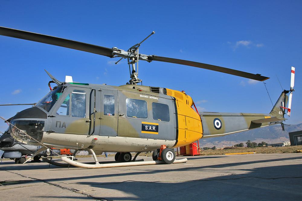 AB-205 als SAR Hubschrauber für den Bereich um Elefsis.