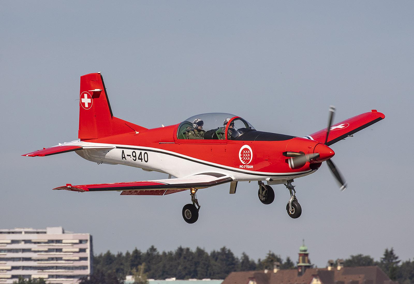 Das Standardmuster der Pilotenschule ist die Pilatus PC-7