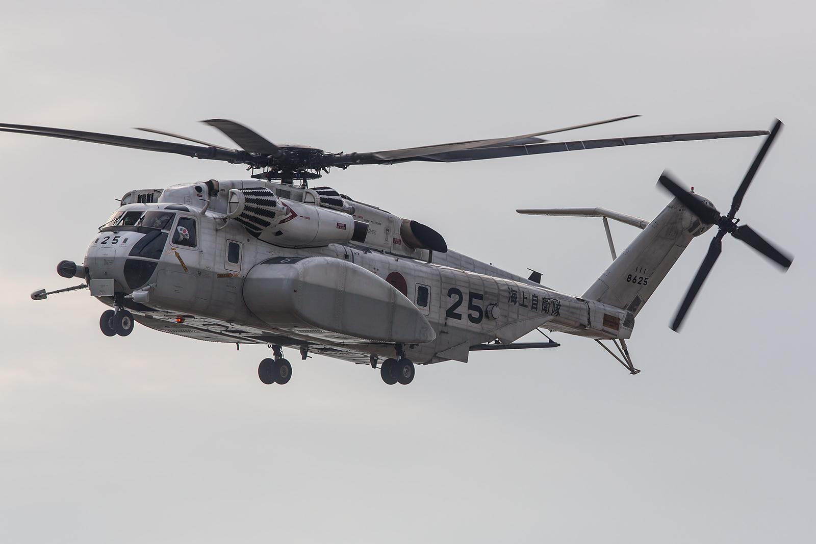Sehr beeindruckend sind die MH-53E Sea Dragon.