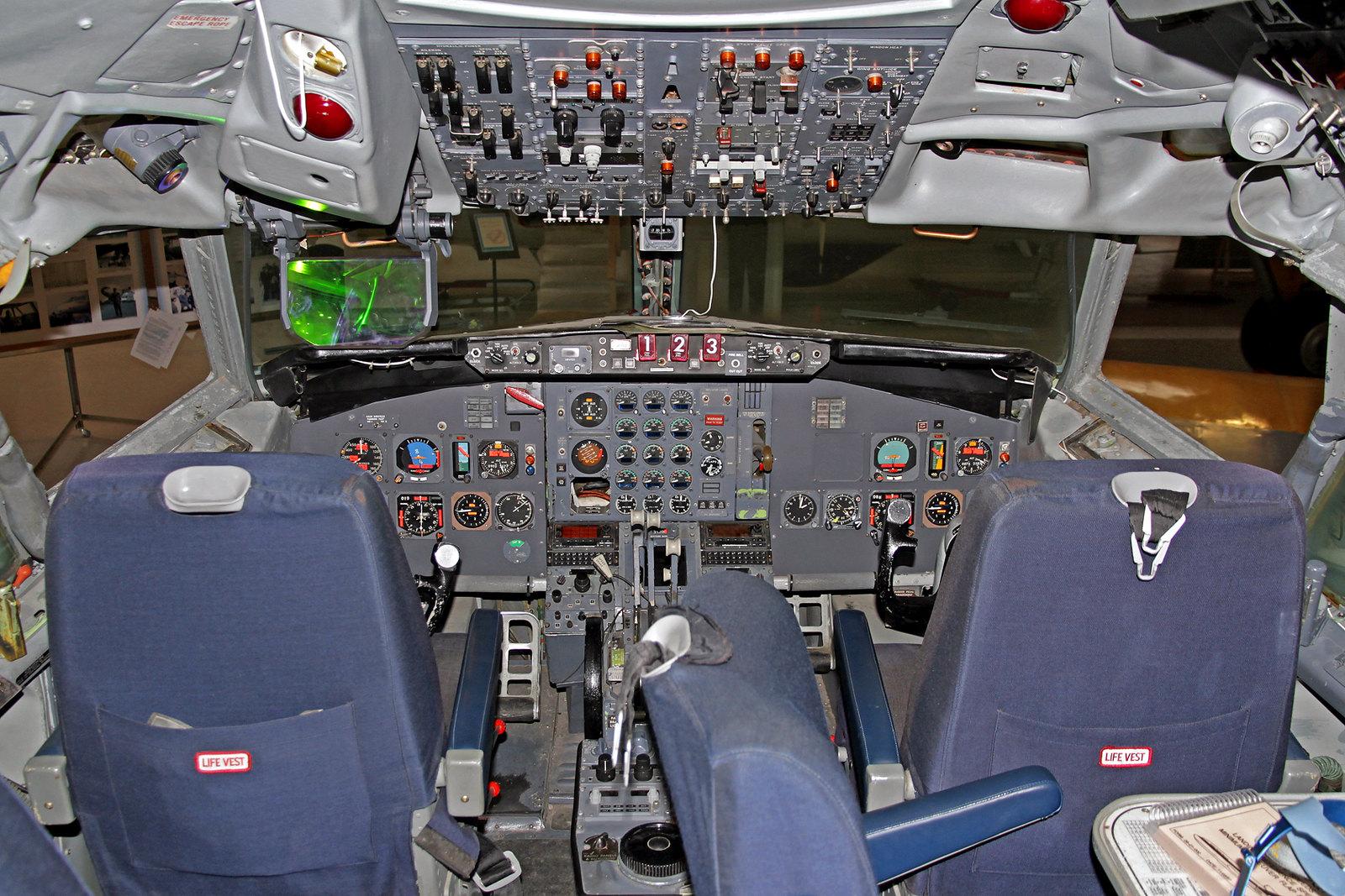 """Cockpit der früheren Icelandair Boeing 727-108C TF-FIE """"Gullfaxi"""", AEY, 14. August 2020"""