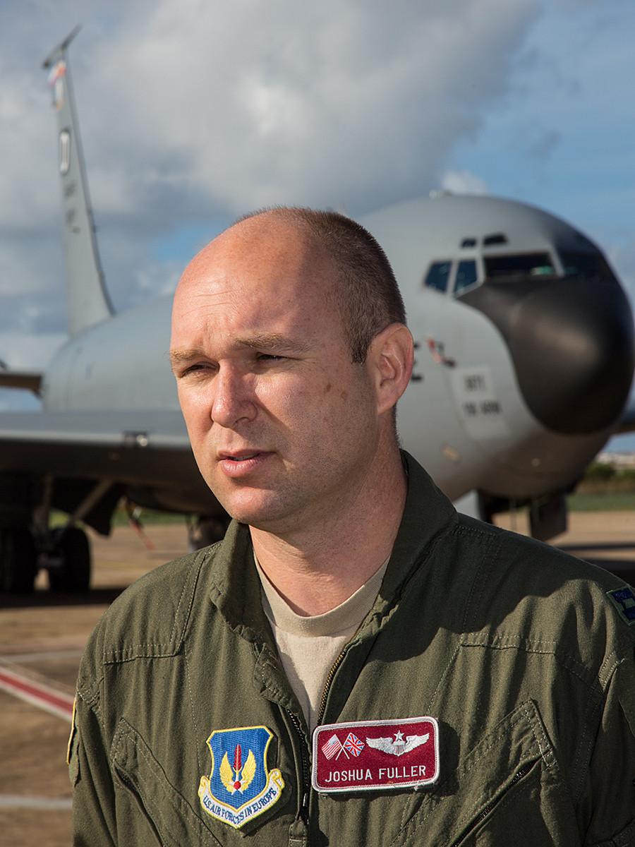 Missioncommander Capt. Josh Fuller