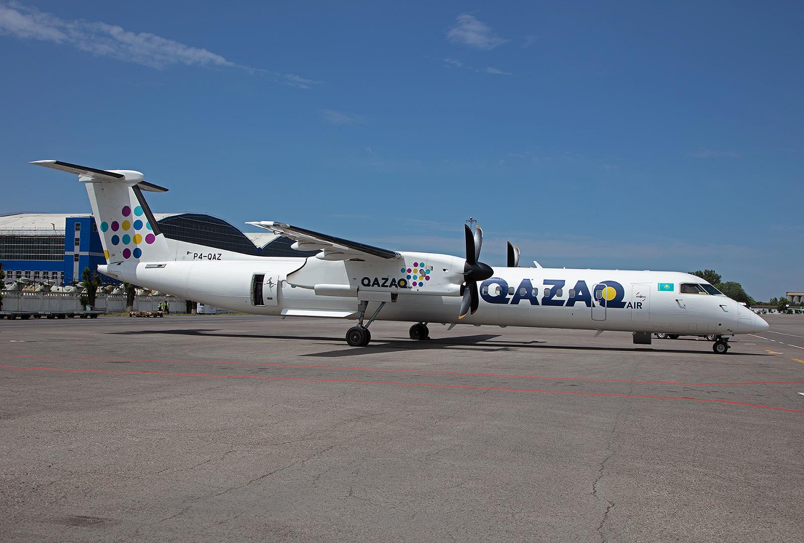 Mit dieser Dash 8Q400 gings am Abend zurück nach Astana.